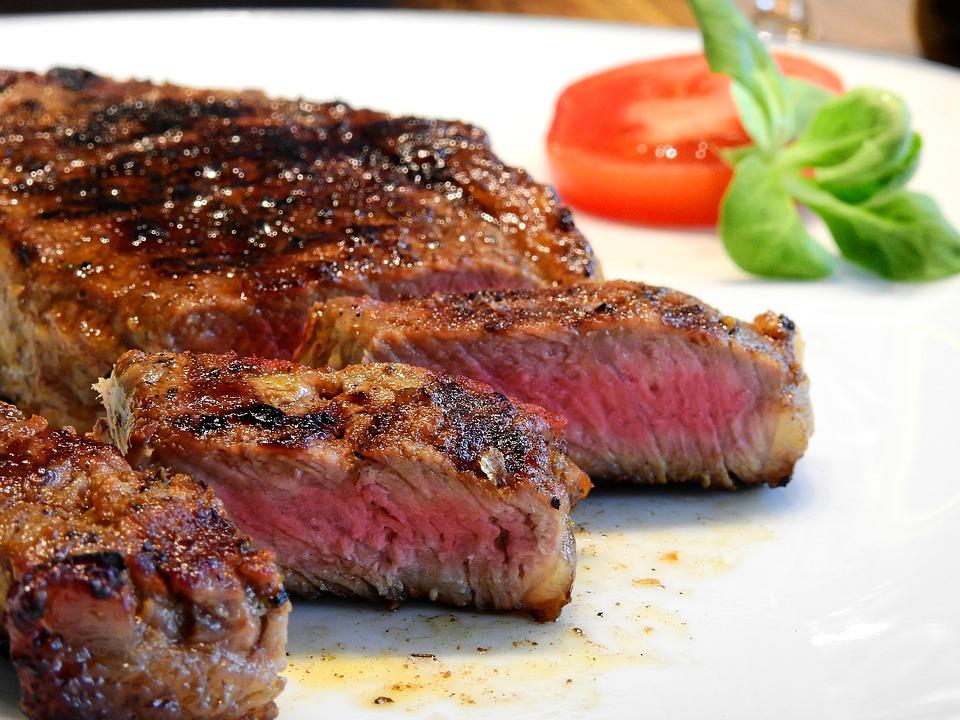 いきなりステーキのおすすめ食べ方紹介!人気のメニュー・部位は?
