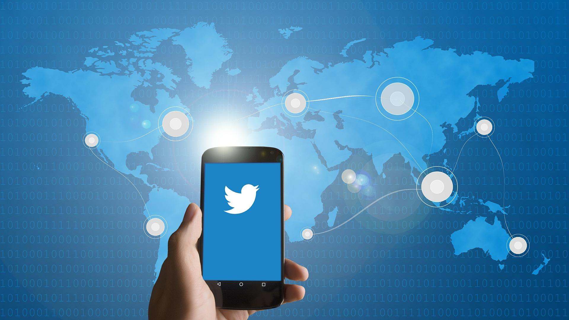 Twitterに動画を投稿する方法は?サイズ・形式に手順や注意点もご紹介!