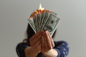 自己破産の手続き・流れをレクチャー!必要な期間や費用など紹介!