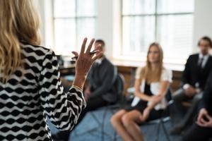 自己表現の方法とは?表現が苦手な人の心理や表現するメリットなどを紹介