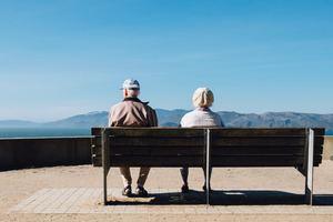 国民年金と厚生年金の違いを比較!貰える金額や両方払うことは出来る?