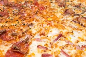 ドミノピザのおすすめメニュー&サイドメニュー!人気のトッピングや生地も!
