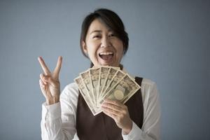ボーナスの使い道は?趣味・貯蓄・投資の割合についてもご紹介!