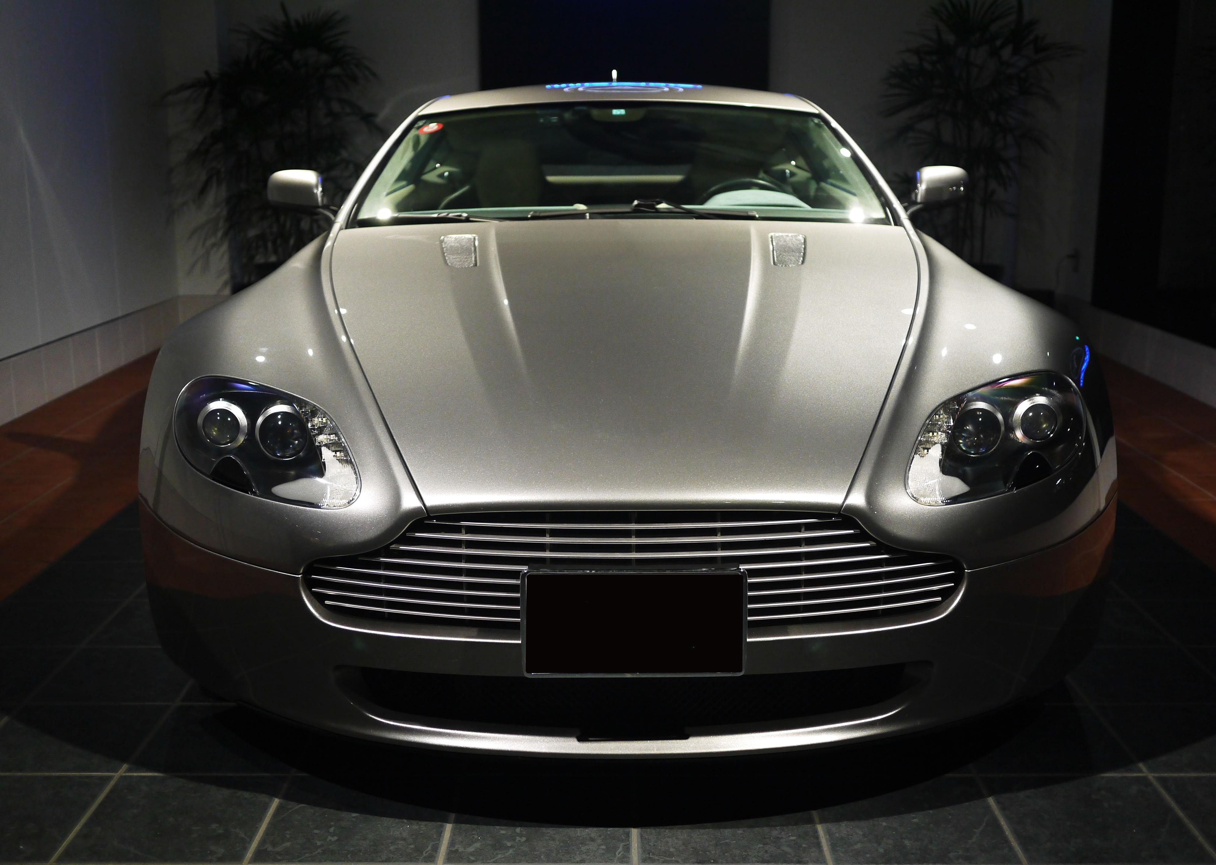 世界一高い車ランキングTOP11!超高級車のメーカーや値段を紹介!