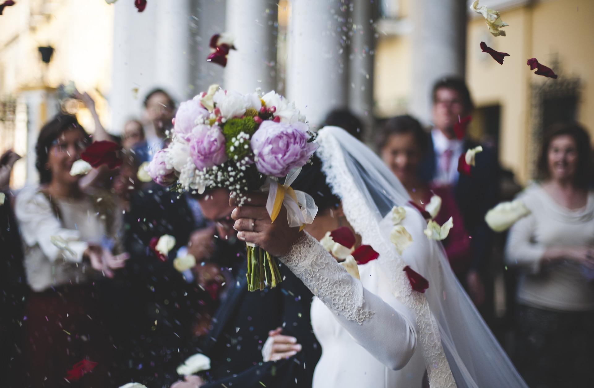 結婚は幸せなのか徹底調査!上手くいく理想の相手の見つけ方や特徴は?