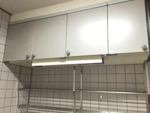 キッチンの吊り戸棚に賢く収納!有効的な使い方や便利なグッズもご紹介!