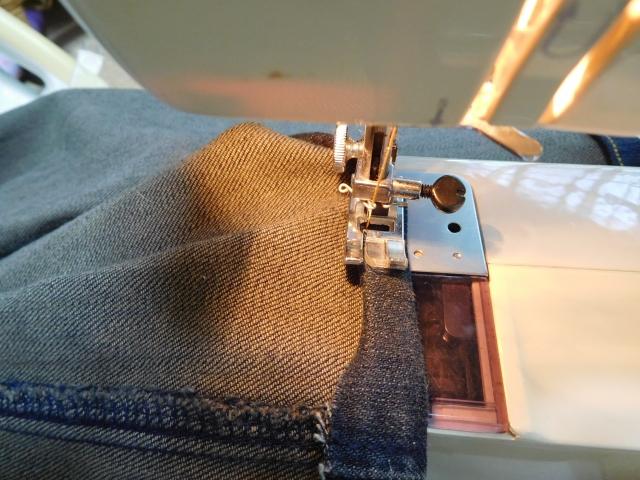 裾上げの縫い方は?まつり縫いやミシン縫いなど簡単に出来る方法をご紹介!