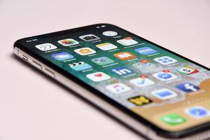 iPhoneを強制的に初期化したい!方法やできない・PCなしの対処法は?
