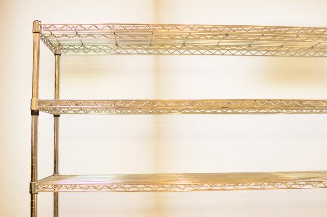 ダイソーのスチールラックで収納を便利に!サイズの種類や組み方を紹介!