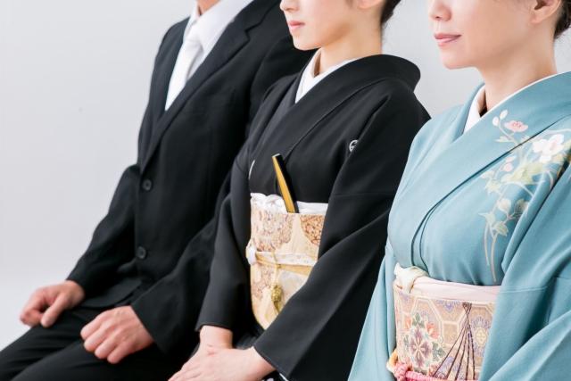 結婚式の着物マナーをレクチャー!NGになる色や柄・コーデなども解説!