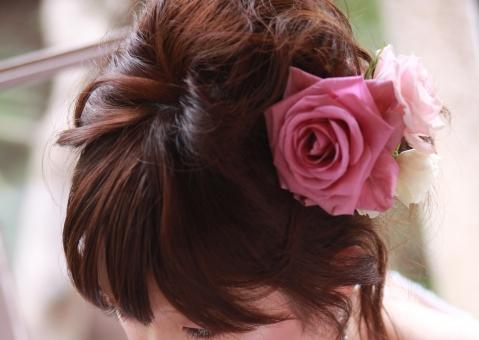 結婚式の髪型簡単アレンジ特集・ロング編!セルフでおしゃれに決めよう!