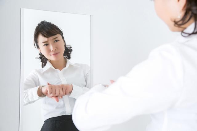 遅刻魔な人の特徴や心理とは?改善策や言い訳をする人への対処法まとめ!
