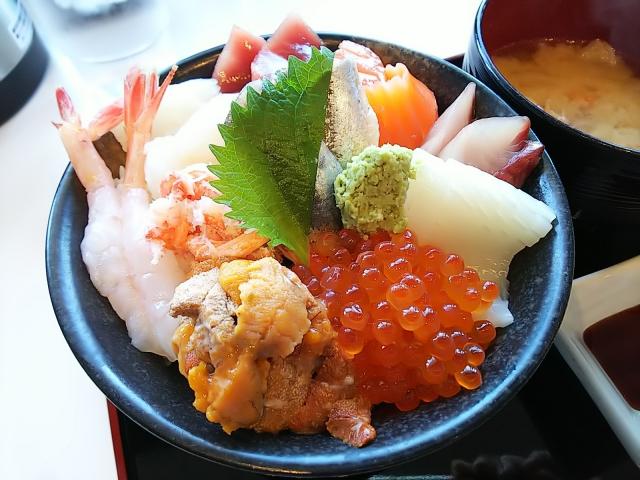 丼丸のおすすめメニューランキング31選!海鮮丼はどれが人気?