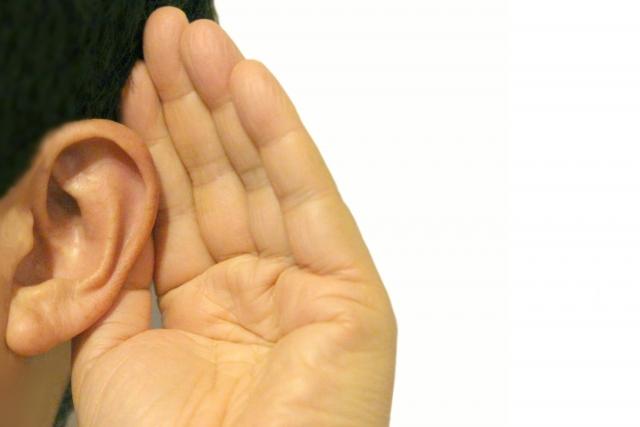傾聴力の意味と読み方は?高めるための具体的な方法や長所と短所を解説!