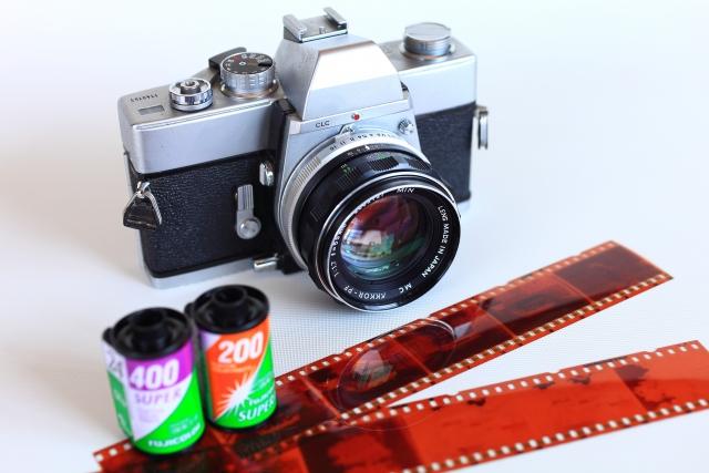 フィルムスキャナーのおすすめ18選!種類別の性能や使い方の違いは?