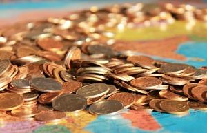 年収900万円の手取りはいくら?税金や家賃に平均貯金額についても紹介
