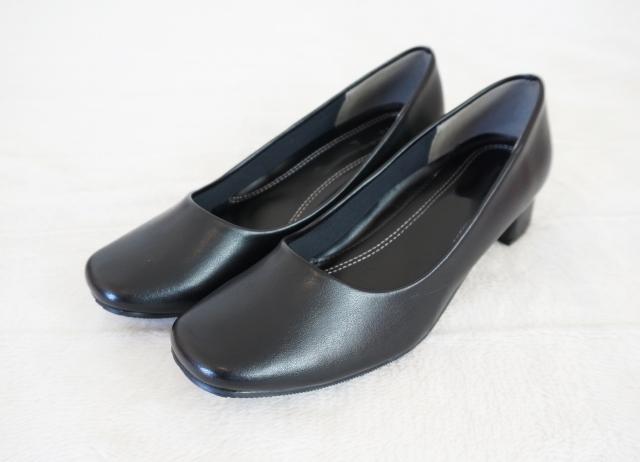 喪服に合わせる靴の選び方は?メンズ・レディース別でのマナーを解説!