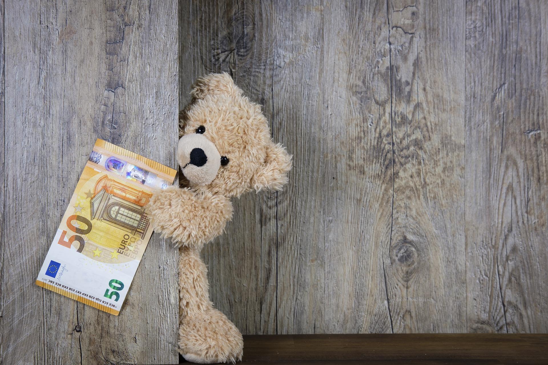 ギフトカードと商品券の種類まとめ!コンビニで買える・プレゼント向きは?