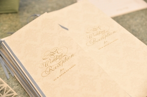 結婚式の芳名帳の選び方を解説!使い方や手作りでの作り方についても紹介!
