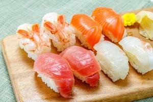 寿司の正しい数え方は?重さの単位「貫」の意味・由来や種類別の呼び方も解説!