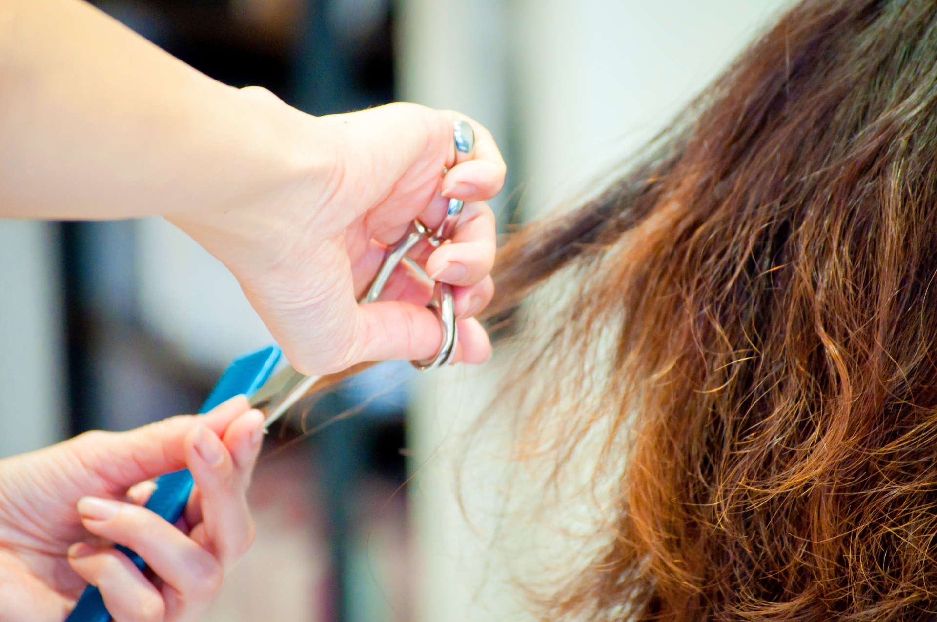 髪型でイメチェンを成功させるコツは?注意点やおしゃれに変化する方法も紹介!