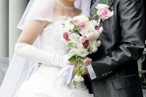 結婚式での乾杯の挨拶 例文まとめ 構成や時間配分など盛り上げるコツ