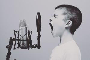 子供っぽい人の特徴21選!性格・行動・恋愛傾向や上手な接し方も紹介!