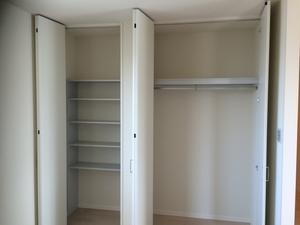 クローゼットに布団を収納するアイデアまとめ!狭い空間を活かす方法も!