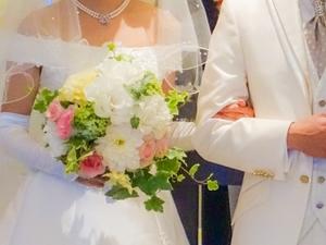 結婚式での装花の節約アイデア!相場やおしゃれなイメージにする方法も!