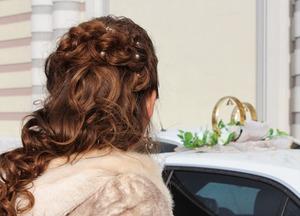 結婚式の髪型は簡単ハーフアップで上品に!セルフでできるアレンジ特集!