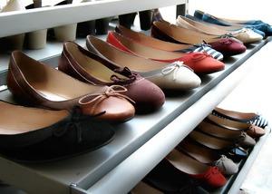 ミニマリストが持つ靴はいくつ?断捨離で減らす方法や選び方をチェック!