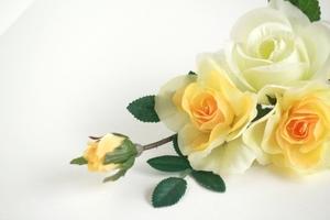 セリアの造花を使ったインテリアアイデアまとめ!バラなどの種類も豊富!