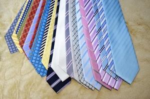 ネクタイをプレゼントする意味を解説!恋人・友達・上司への選び方や注意点は?