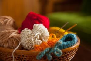 セリアの毛糸2019を徹底調査!種類や色・おすすめの簡単な編み方あり!
