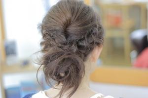 まとめ髪の簡単アレンジ方法【長さ別】仕事にも使える大人可愛いスタイル集♡