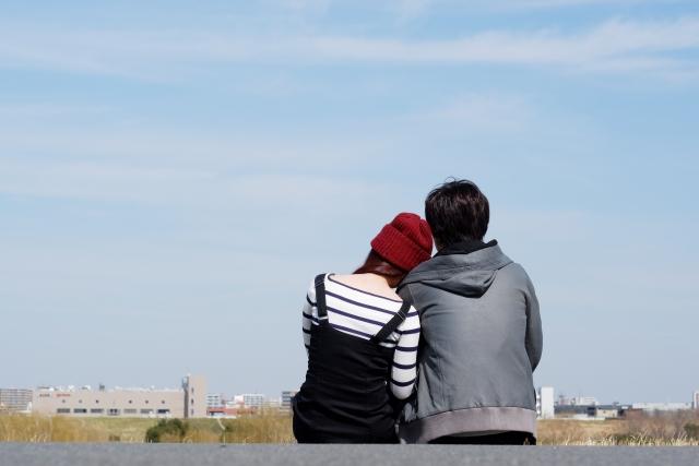 彼氏との遠距離が寂しい時の対処法!浮気をさせない方法やNG行動をチェック!