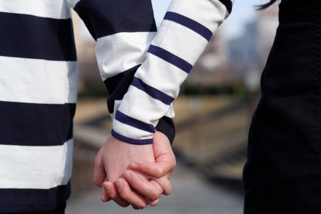 恋人繋ぎをする男女の心理は?繋ぎ方で相性や脈ありかを見極める方法も!