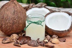 ココナッツオイルで髪の毛がサラサラ!おすすめの使い方や効果などを紹介!