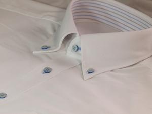 無印良品のシャツはメンズにもレディースにもおすすめ!コーデ例もチェック!