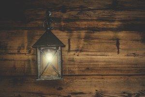 ダイソーのランタンは防災やキャンプに最適!明るさや点灯時間をチェック!