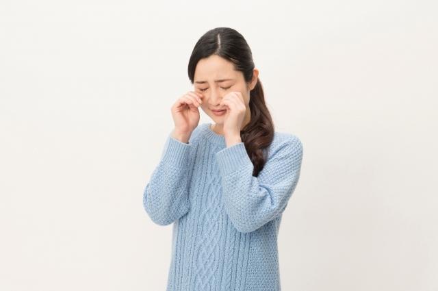 泣き虫な人の特徴や原因とは?克服する方法や上手い付き合い方などを紹介!