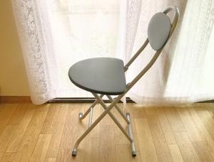 キッチン用の椅子はコレがおすすめ!収納しやすい折り畳みや踏み台タイプも!