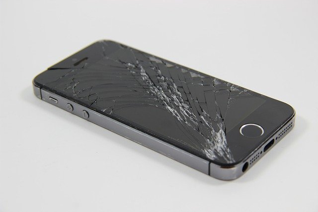 ダイソーの保護ガラスフィルムの種類まとめ!iPhone用のおすすめは?