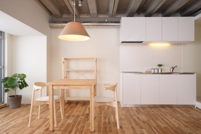キッチンの照明・ライト選びのコツは?明るい色の種類やデザインを紹介!