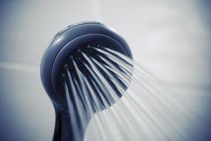 シャンプーが泡立たない原因・理由を解明!おすすめの対策方法や髪の洗い方も紹介