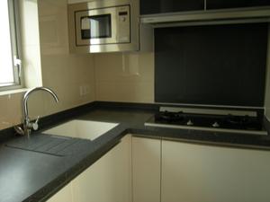キッチンのリフォーム費用の相場はいくら?施工例と期間の目安もチェック!