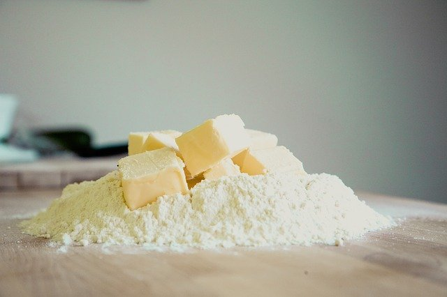 業務スーパーのバターは大容量でコスパ最強!値段やおすすめの使い方を紹介