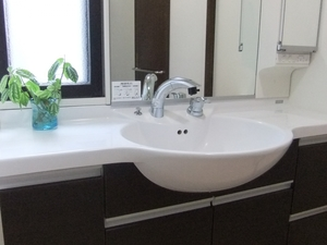 おしゃれな洗面所にする収納アイデアまとめ!センスのあるすっきりした空間に!