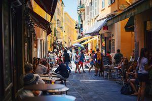 フランスの治安状況を調査!観光で気をつけるべき注意点や対策法とは?