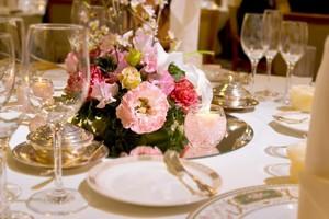 結婚式の料理はどう決める?メニューの選び方や品数の目安をまとめて解説!